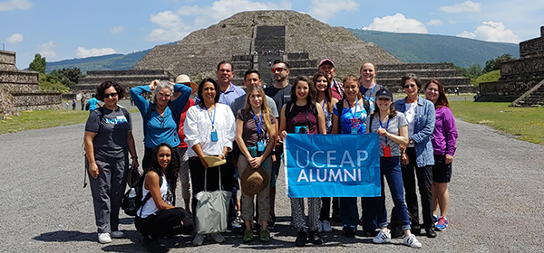 Alumni at Teotihuacan